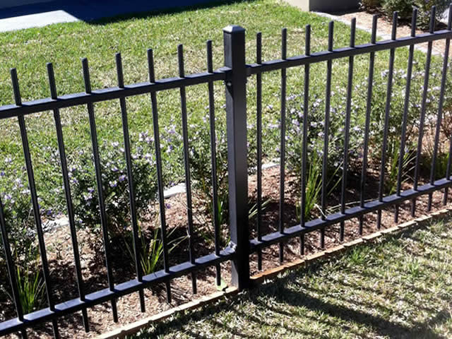 Rod top residential fence